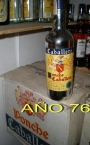 Vendo botellas antiguas.