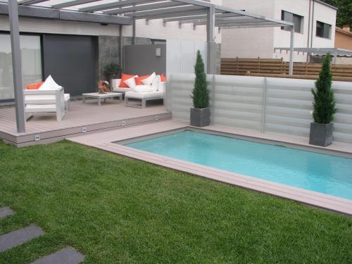 Fotos de tarima exterior sint tica jard n sin mantenimiento barcelona otros servicios - Jardines sin mantenimiento ...