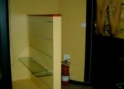 Estanterías, cristaleras y espejos de tienda de Perfumería y Cosmética