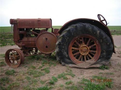 Fotos de vendo 3 tractores john deere 1927 1934 1938 for Tractores en almeria