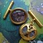 Gemelos de oro con monedas antiguas