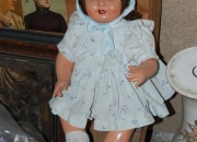 Tenemos Muñecas antiguas de porcelana, yeso, trapo etc