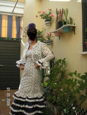 Traje de flamenca con chaquetilla torera sevilla ropa - Ropa segunda mano cordoba ...