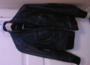 Se vende chaqueta de cuero negra oakwood talla L para mujeres 450?