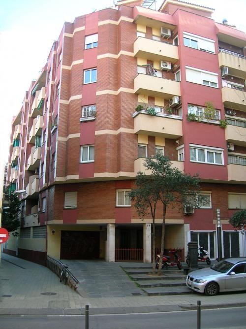 Fotos de piso en hospitalet centro plaza constitucion barcelona departamentos - Pisos en hospitalet centro ...
