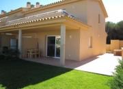 Casa en venta en L'Escala con piscina y jardín