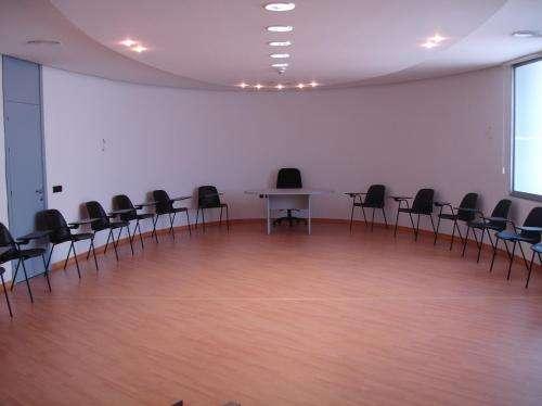 Alquiler salas de reuniones desde 1 hora.