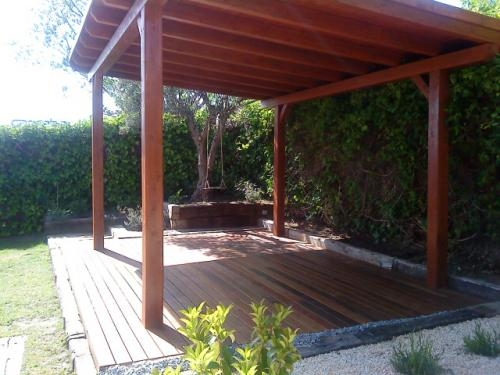 Decoracion pergolas jardines images for Decoracion de jardines con madera