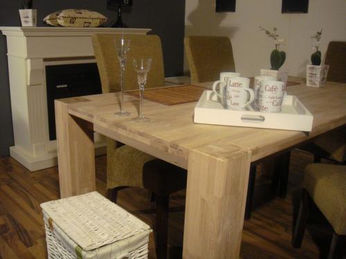 Mesa de comedor charme de roble macizo mesa de centro for Mesa comedor roble macizo