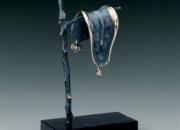 Escultura persistence of memory de Dali original
