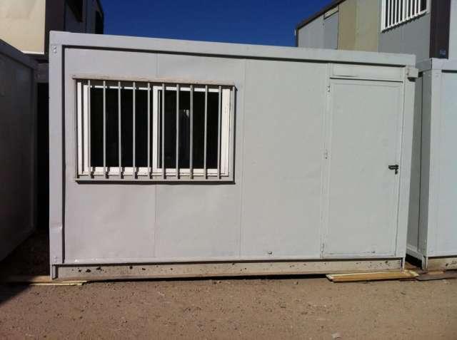 Fotos de casetas para piscinas vestuarios y duchas con aseo en Madrid