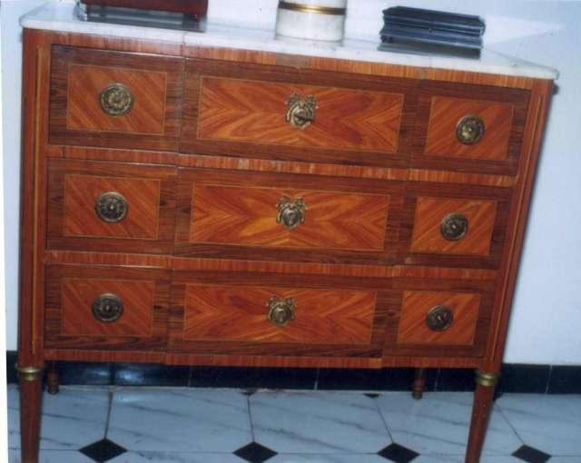 Comprar muebles viejos para restaurar cool reciclar - Tecnicas de restauracion de muebles antiguos ...