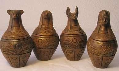 Figuras egipcias artesanas elaboradas en egipto
