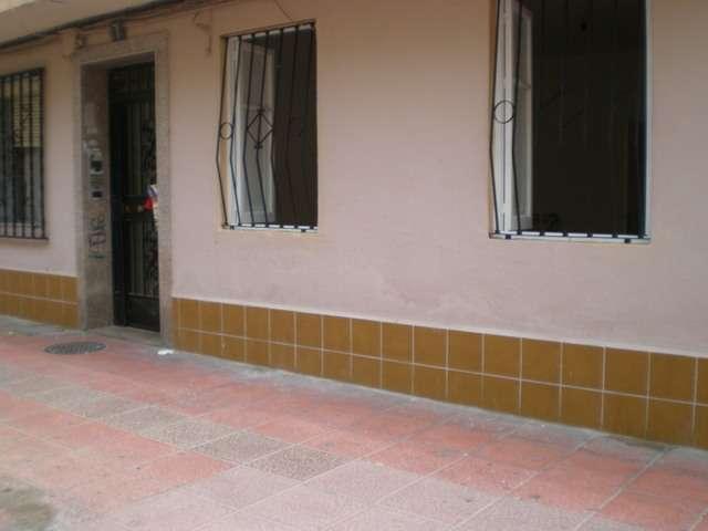 Vendo piso muy céntrico planta baja e almería ciudad
