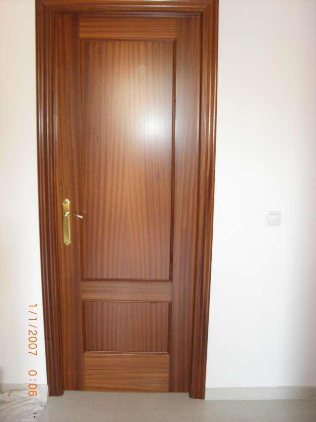 Pin fotos vendo muebles juego edor sala pictures genuardis - Colores de puertas de madera ...