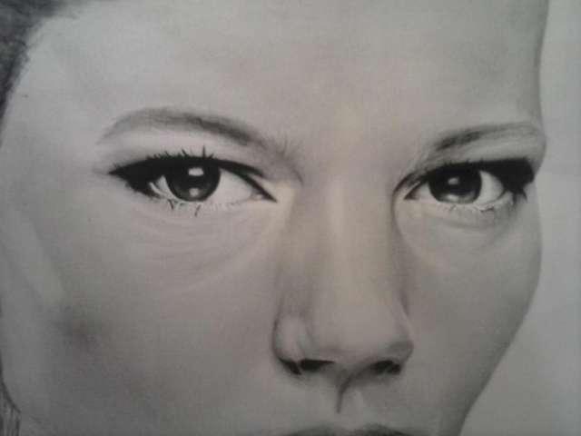 Retratos a lápiz y carboncillo de gran calidad
