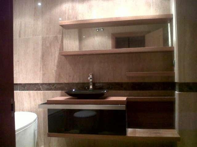 Cocinas con muebles empotrados for Armarios bano conforama
