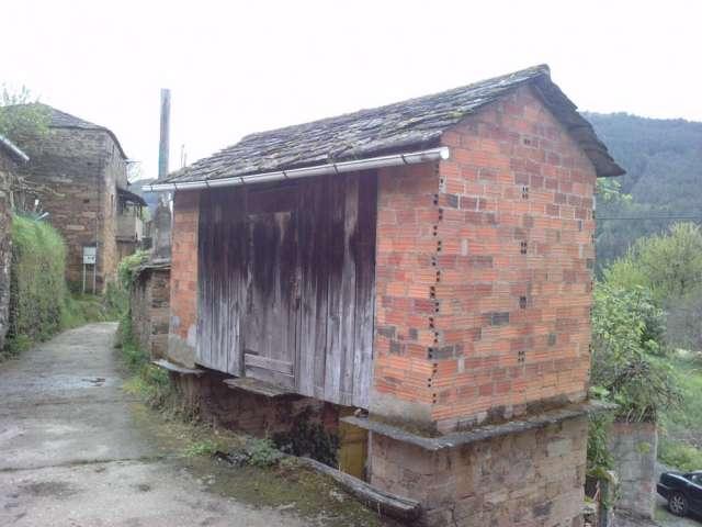 Se venden dos bonitas casas rusticas de piedra a reformar en Ribeira