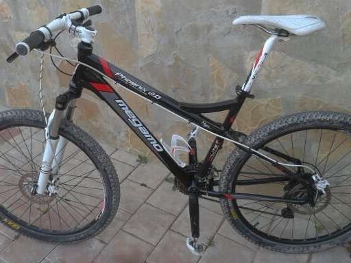Bicicleta montaña megamo montada en shimano