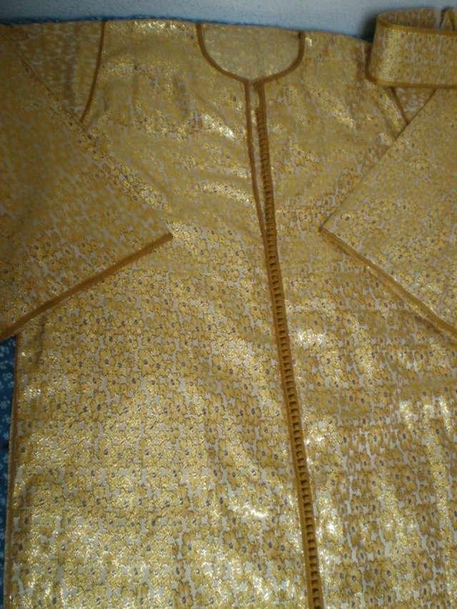 Vestido marroquí tres piezas hilo de oro y seda natural ,precioso.