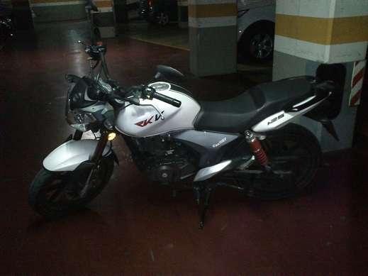 Se vende motocicleta keeway rkv 125cc