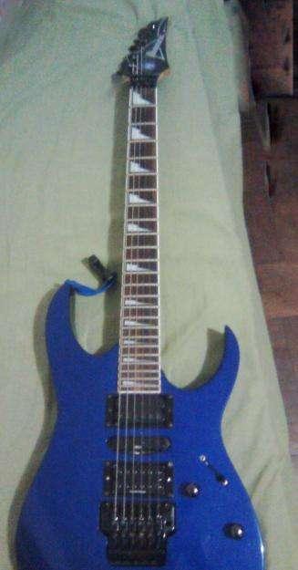 Se vende guitarra electrica ibanez rg370 + maletin