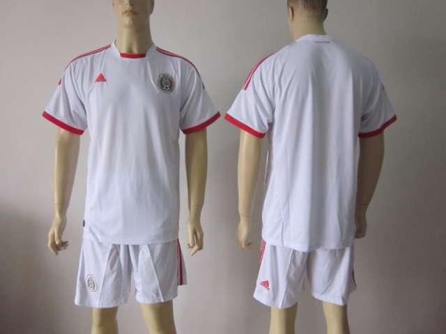 Fútbol de camiseta 2013 nuevo modelo y mejor calidad venta al por mayor y al por menor