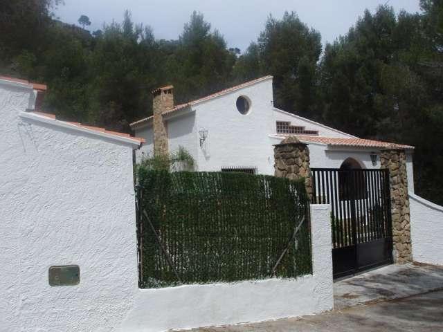 Chulilla-valencia chalet con piscina en venta