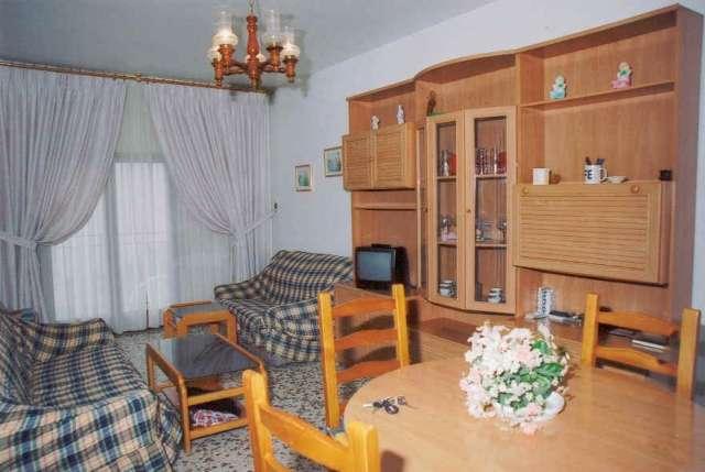 Vendo piso 3 dormitorios amoblado 50 mt de la playa