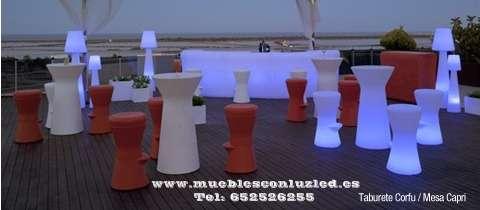 Barra bar mesa taburete sofa luz led