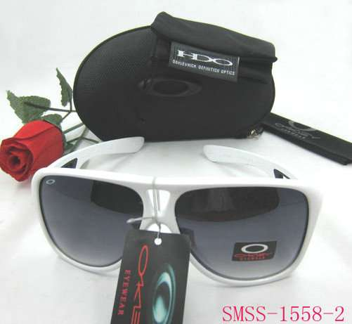 Nueva 2013 gafas.rayban,carrery,lv,boss msn/skype: bienropa@hotmail.com