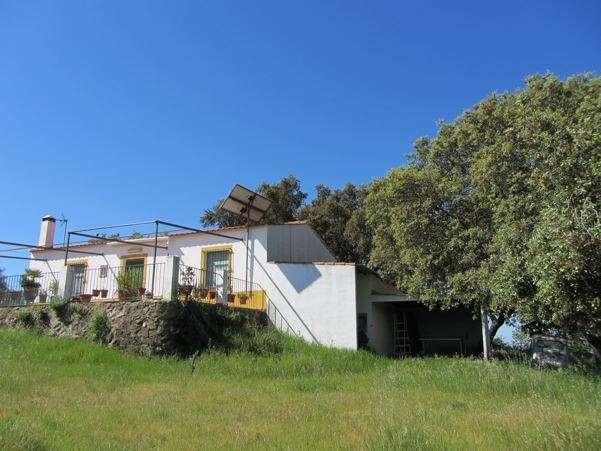 Magnífica casa rural equipada en la dehesa extremeña