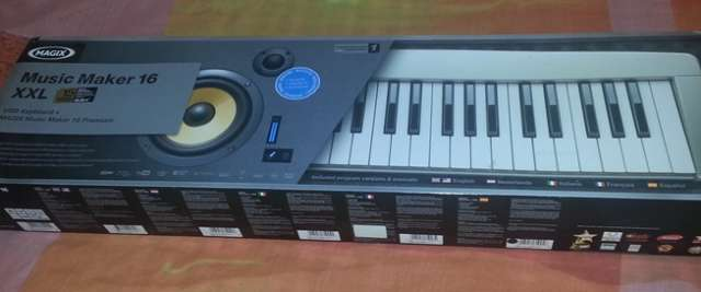 Vendo un piano para estudio magix music