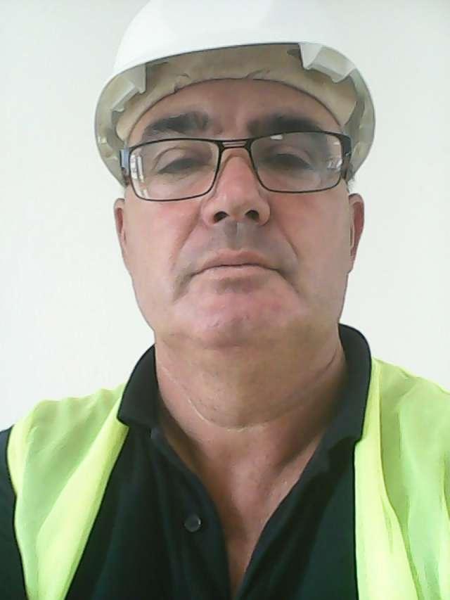 Trabajadores de la construccion buscan trabajo en el extranjero y españa