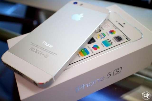 Apple iphone:apple iphone 5s 16gb , 32gb , 64gb