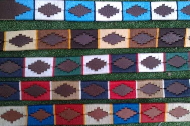 Cinturones argentinos bordados artesanalmente