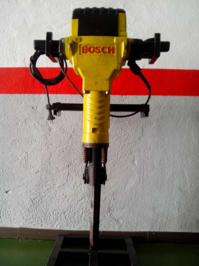Vendo martillo bosch grande