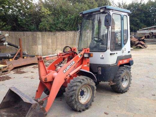 Tractor kubota r420 à 2500?