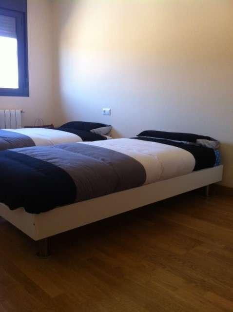 Vendo 2 camas de 90 con somier y colchones