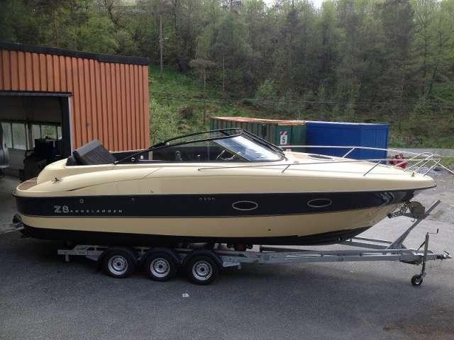 Paseo en barco de seda z8