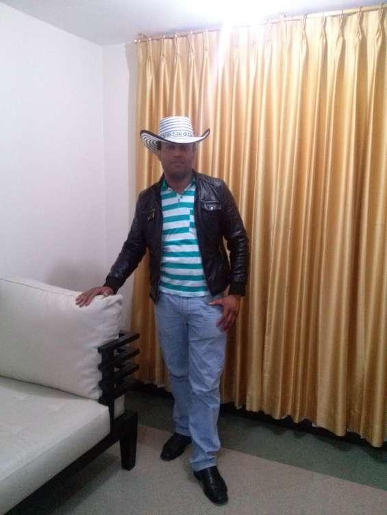 Hola busco mi media naranja 593-986896382