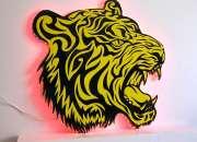 Lampara de pared con silueta de tigre de bengala