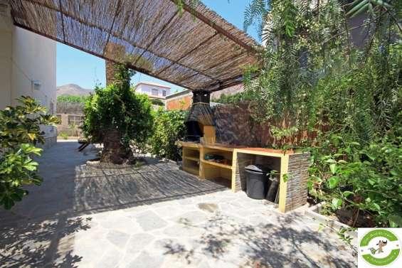 Fotos de Chalet independiente con piscina y jardín privados 2