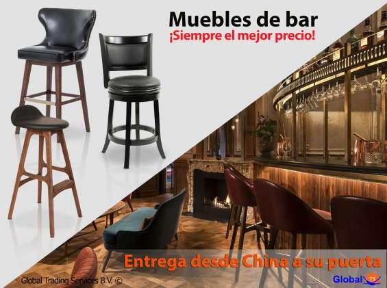 Elegantes muebles del bar