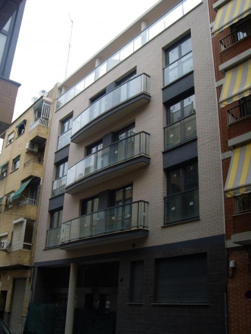 Valencia. ático-dúplex 4 habitaciones de obra nueva con garaje y trastero.