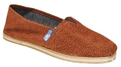 Vendo zapatos. zapatillas, alpargatas comun, alpargatas carpincho, etc
