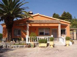 Alquilo chalet chiva (valencia), vacaciones 2011, semana santa, fallas, puentes, gran premio mundial motos cheste ...