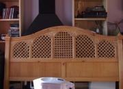Vendo original cabezal de madera de pino envejecido en color blanco.