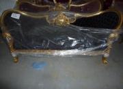Sofa estilo Luis XV en Oro con Rojo o Negro