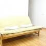 camilla de madera y futon/tatami
